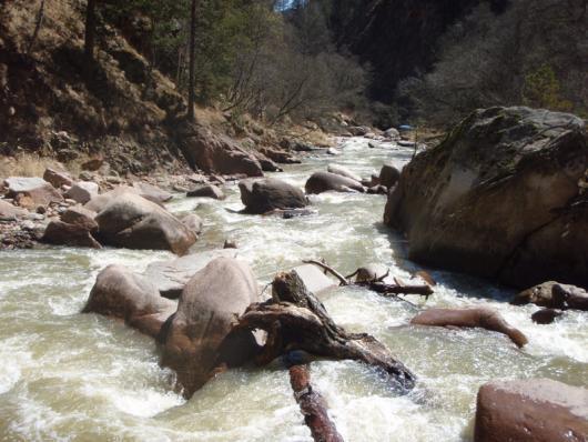 Это приток Малки - река Харбас, по ней мы планировали доплыть до Малки...