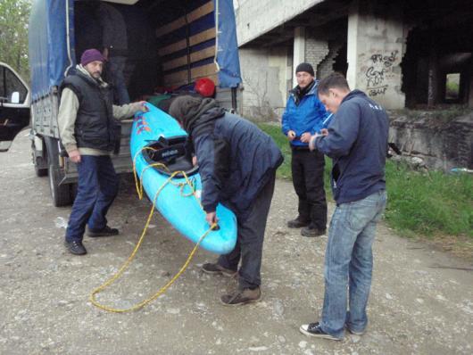 Перегрузка лодок на выброске